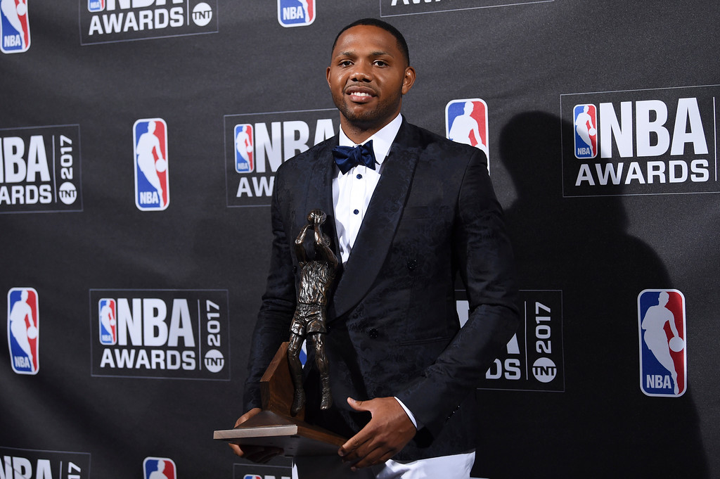 . Kia NBA Sixth Man Award winner Eric Gordon poses in the press room at the 2017 NBA Awards at Basketball City at Pier 36 on Monday, June 26, 2017, in New York. (Photo by Evan Agostini/Invision/AP)