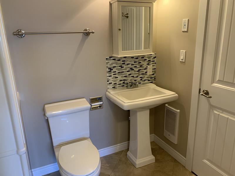 Bathroom1_2.jpg