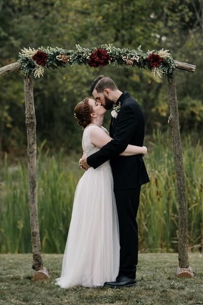 rustic_ohio__fall_barn_wedding-316.jpg