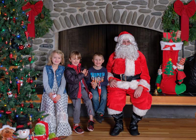 CB Santa 2019-7738.jpg