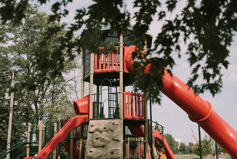 Eloise & Isabelle, BG Park 9.jpg