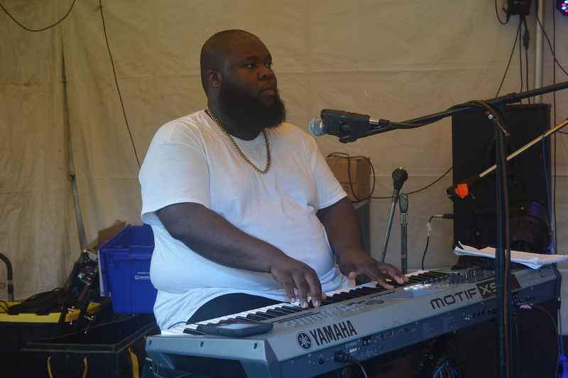 008 Felita's Keyboard Player.jpg