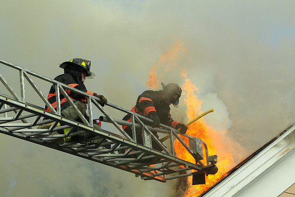3 alarm Fire Ayer Ma - July 3 2014