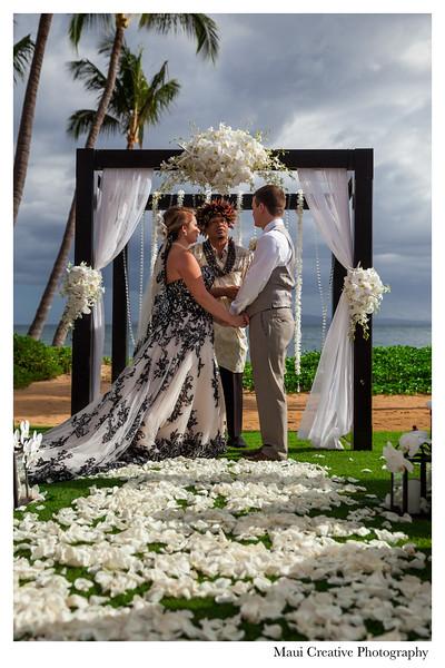Maui-Creative-Destination-Wedding-0072.jpg