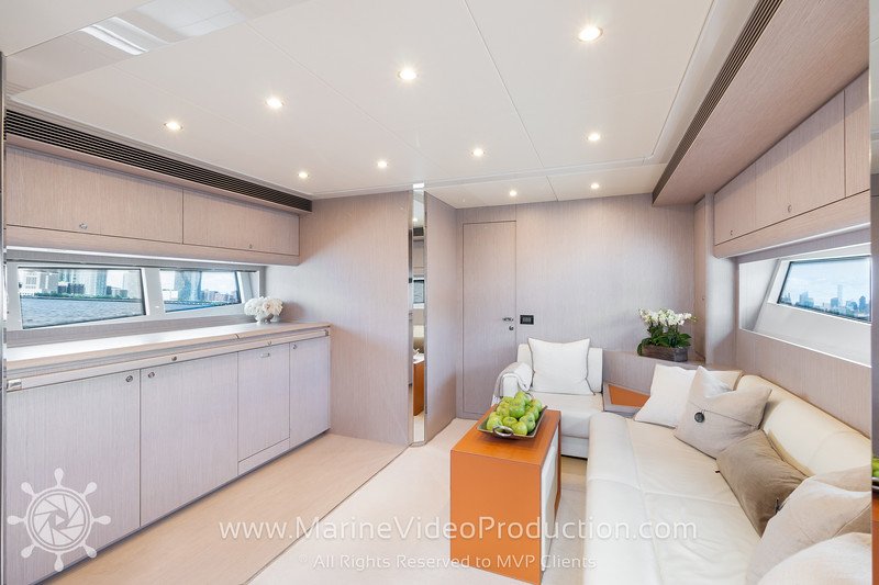 ISOLA Yacht_Interiors3.jpg