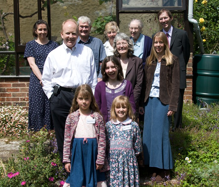 Back left to front right: Rose, Roy, Jan, Gecca, David F, Quentin, Helen, Joy, Sarah, Sophie, Beth