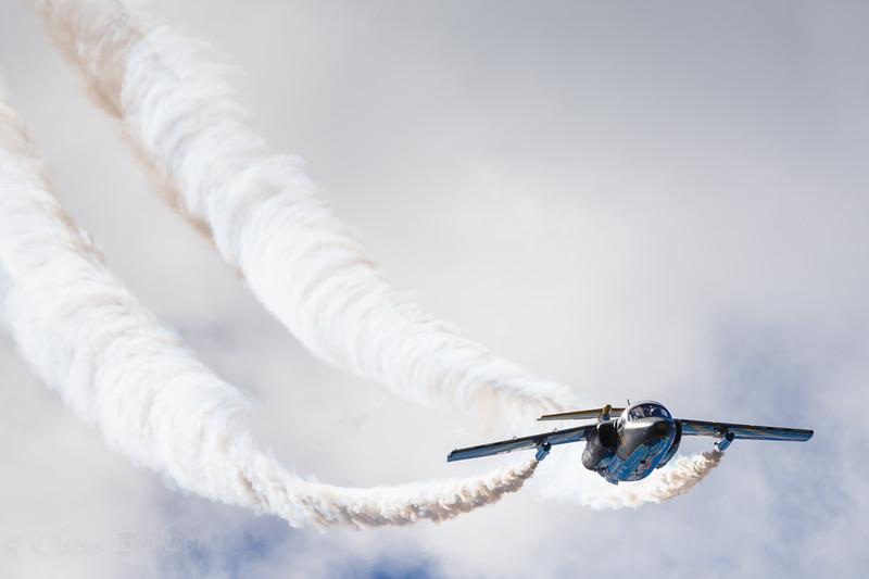 SK 60 / Saab 105 with smoke