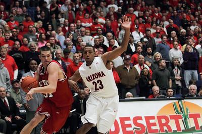 Basketball: UA NCSU 23Dec2009
