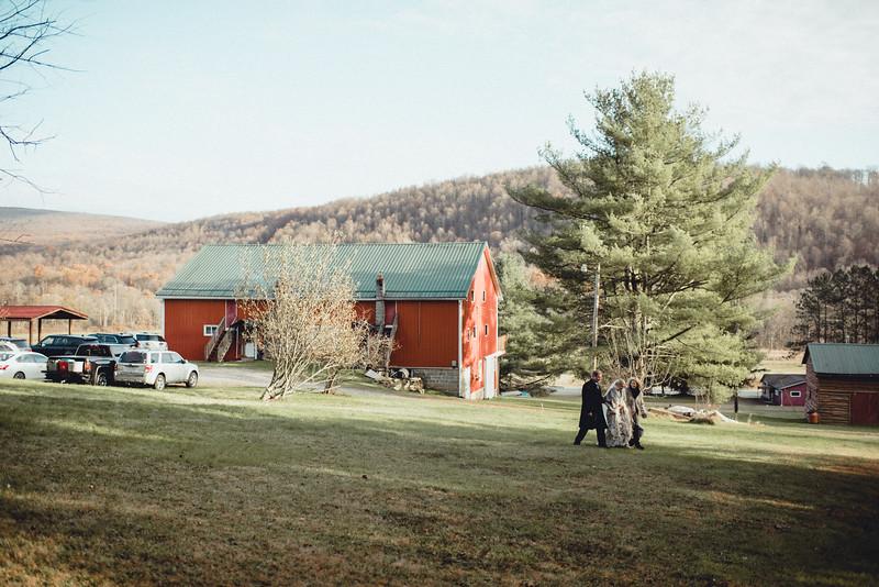 Requiem Images - Luxury Boho Winter Mountain Intimate Wedding - Seven Springs - Laurel Highlands - Blake Holly -954.jpg