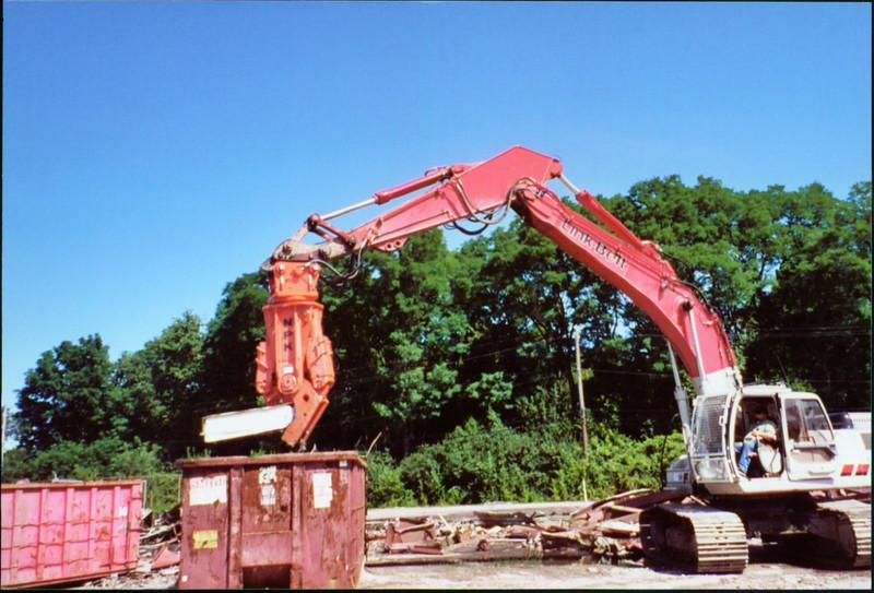 NPK M38K demolition shear on Link-Belt excavator-scrap metal recycling (3).JPG