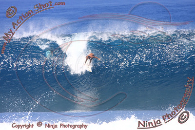 <font color=#F75D59>2009_10_29 am - Surfing Pipeline, NORTH SHORE</font>