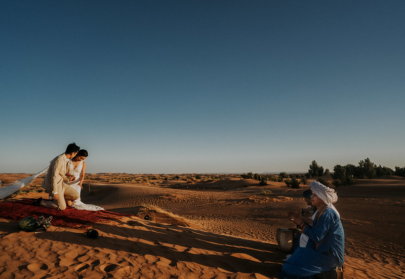 Tu-Nguyen-Destination-Wedding-Photographer-Morocco-Videographer-Sahara-Elopement-499.jpg
