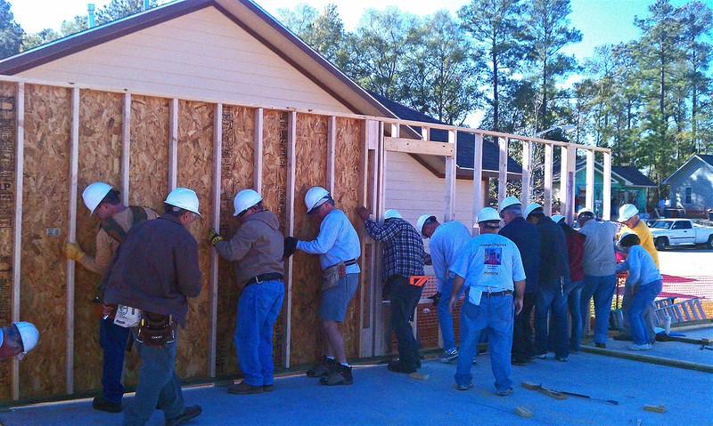2011-11-05 First Wall going up_edited-1 (Medium).jpg