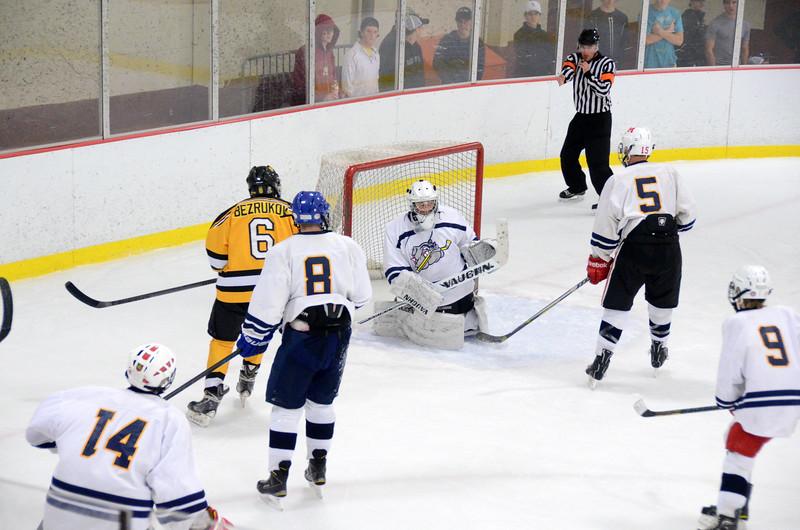 141004 Jr. Bruins vs. Boston Bulldogs-089.JPG