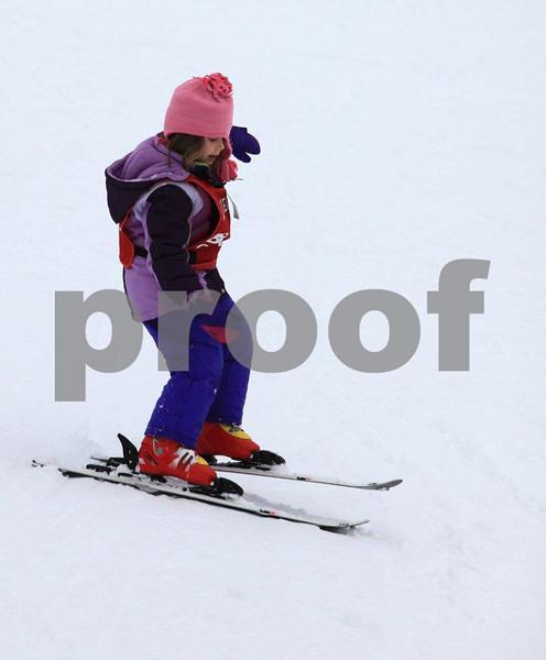 Natalie ski 8993.jpg