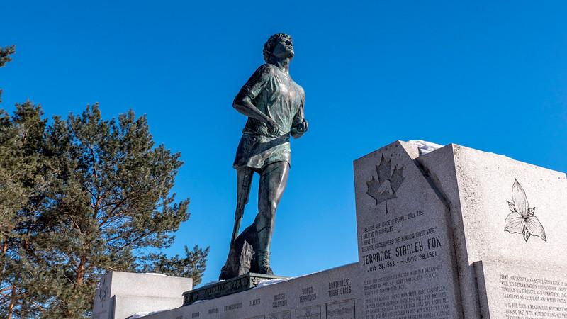 Thunder-Bay-Terry-Fox-Monument-03.jpg