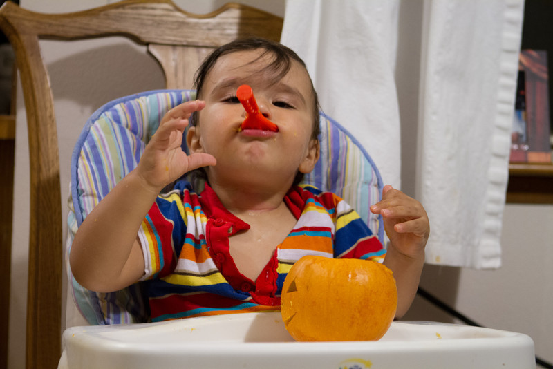 PumpkinCarving-220.jpg