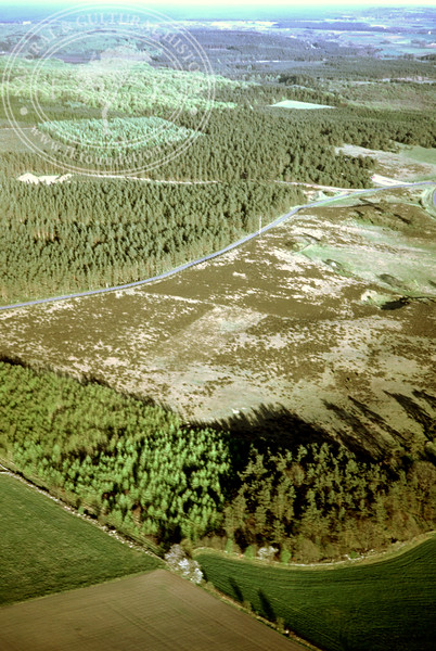 Maglehems ora [Ohra] - with plantations, buildings and prehistoric remains (4 May, 1989). | LH.0682