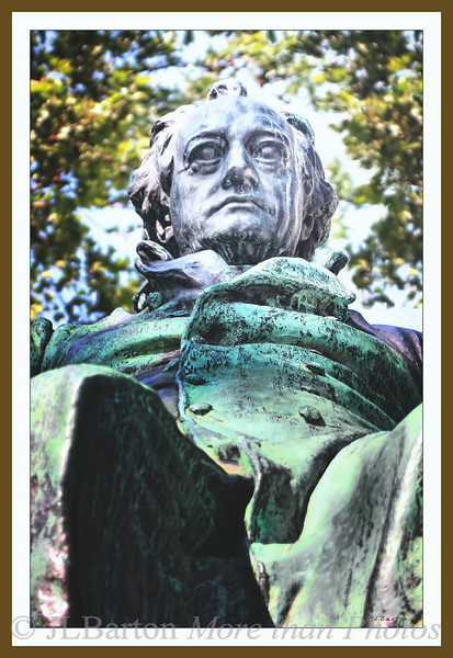 Johann Wolfgang von Goethe Monument next to the Burggarten in the 1st district of Vienna Goethe's works are still read and performed throughout the German language countries and beyond, especially in Vienna. Goethe (died 1832) did not have much to do with Vienna specifically.  The monument was erected in 1900 to honor his literary contributions.