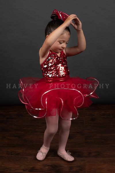 Miss L | Dance