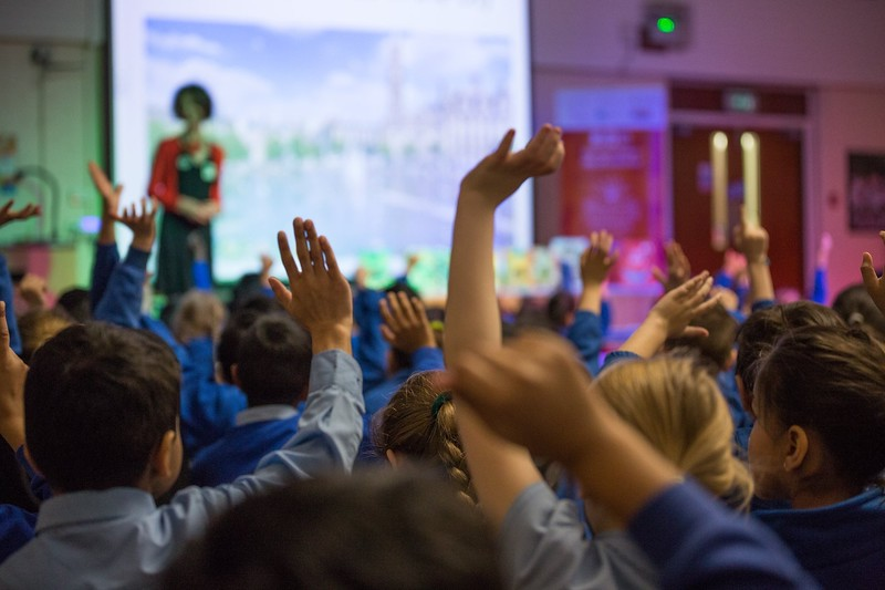 photomanic-photography-leeds-kids-boy-christmas-bradford-literature-festival-blf-girl-reading-teacher-4.jpg