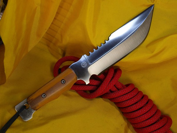 Relentless_Knives_M4_Explorer_ 8670_AMber_AVK__Complete
