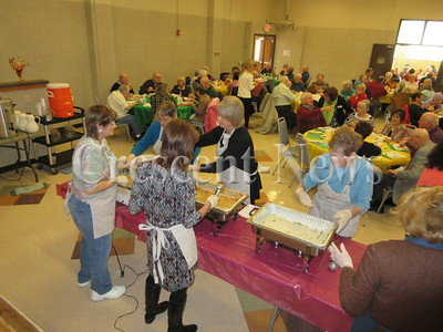 11-20-14 NEWS Sr. Center luncheon