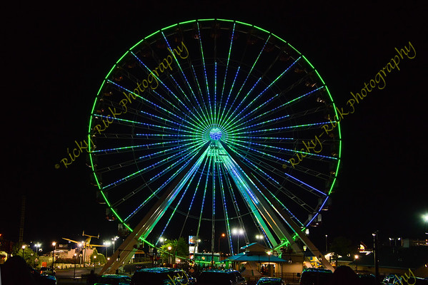 2019-08-05 - Branson Ferris wheel at night