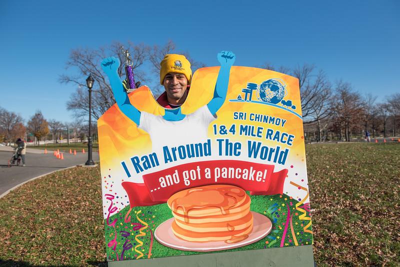 20161204_1 & 4 Mile Race_202.jpg