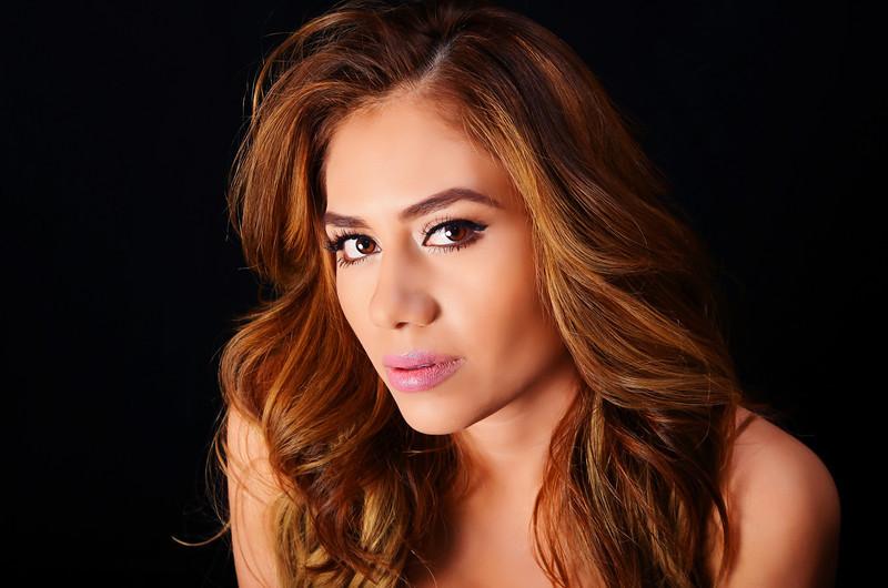 Yomara Fernandez March 2013