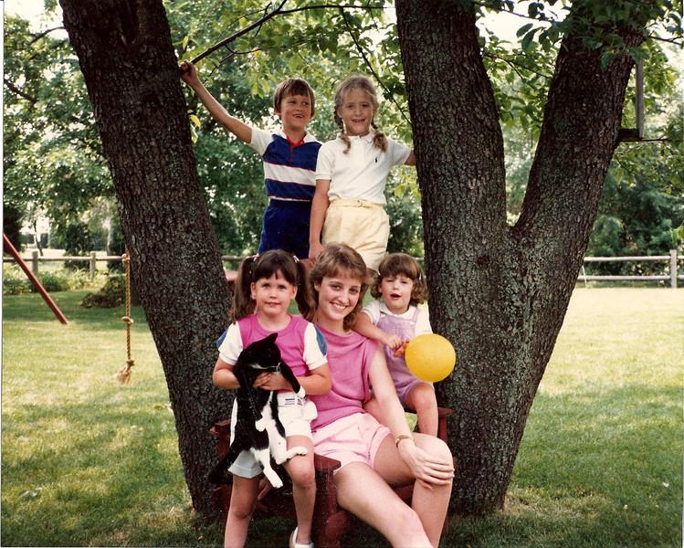 Harris Grandchildren in NJ (with Juniper) 1985?