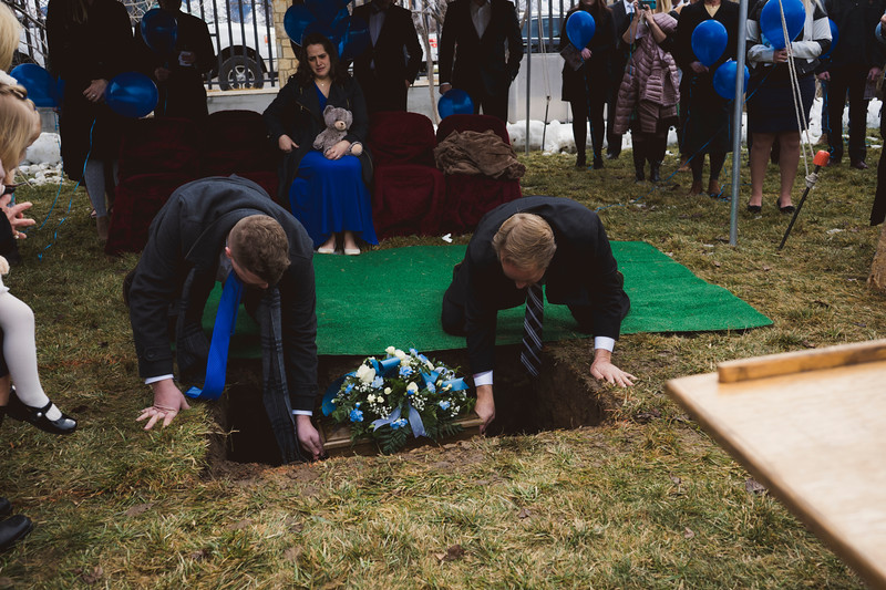 baby dew funeral-75.jpg