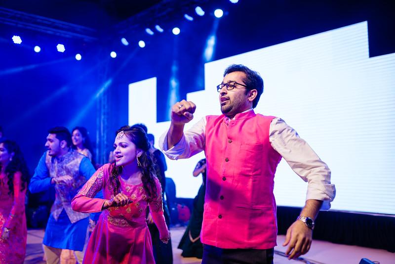 Candid Wedding Photographer Ahmedabad-1-102.jpg
