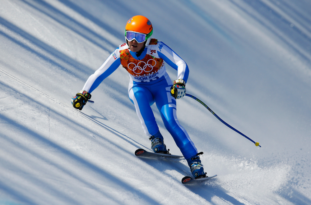 . Nadia Fanchini of Italy in action during the Alpine Skiing Women\'s Super-G on day 8 of the Sochi 2014 Winter Olympics at Rosa Khutor Alpine Center on February 15, 2014 in Sochi, Russia.  (Photo by Ezra Shaw/Getty Images)