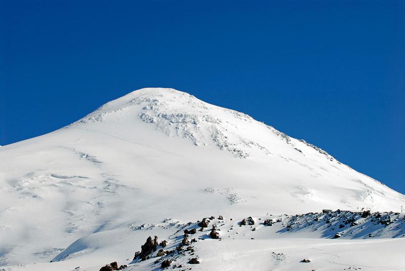 080502 1747 Russia - Mount Elbruce - Day 2 Trip to 15000 feet _E _I ~E ~L.JPG