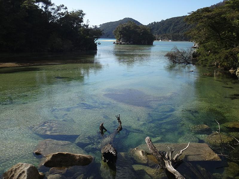 Hide tide path around Bark Bay