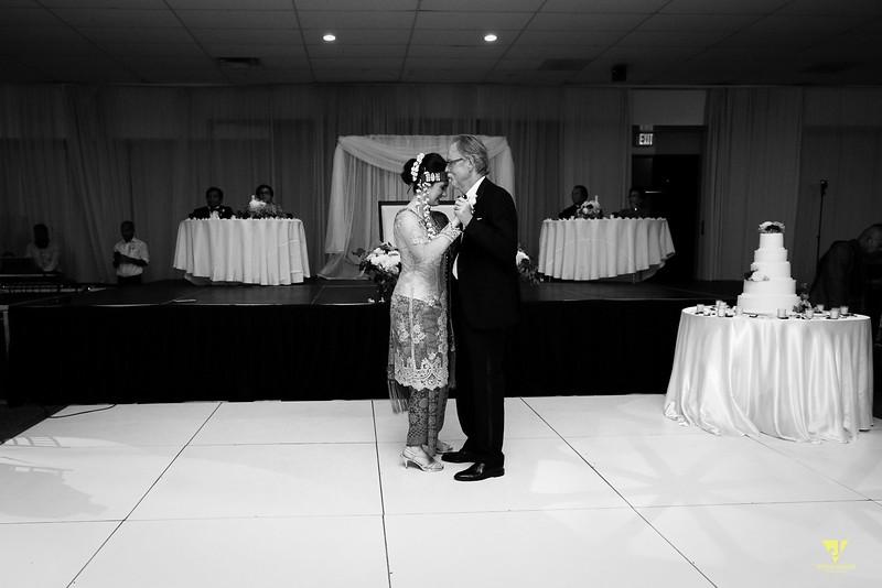 Wedding of Elaine and Jon -596.jpg