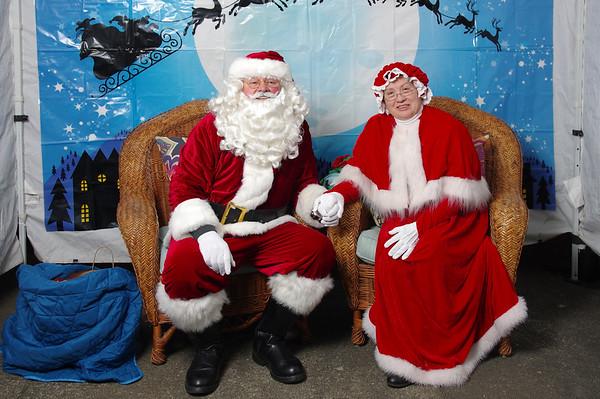Des Moines Tree Lighting Santa Photos 2018