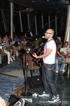 Aiden James @ Viking Crown Lounge