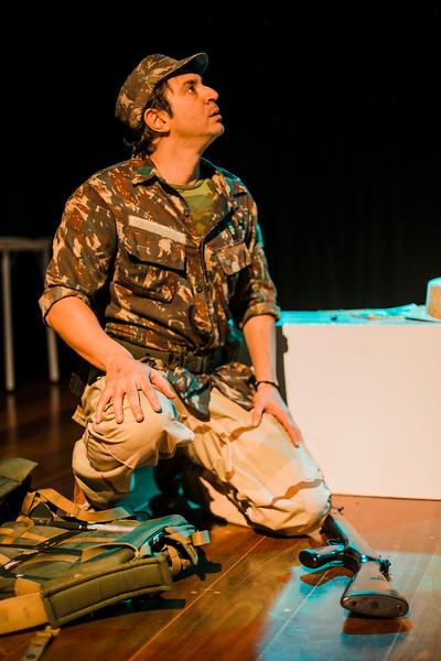 Allan Bravos - essenCIA Teatro - Reexistencia-596.jpg