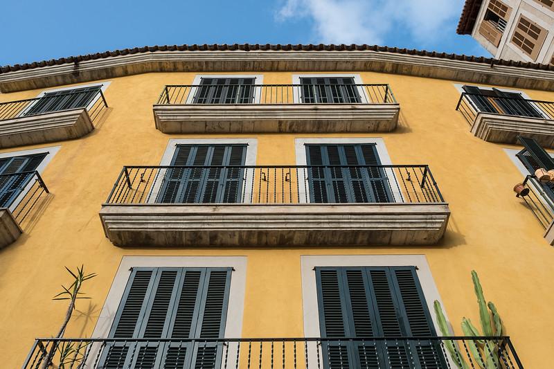 yellow building, palma de mallorca