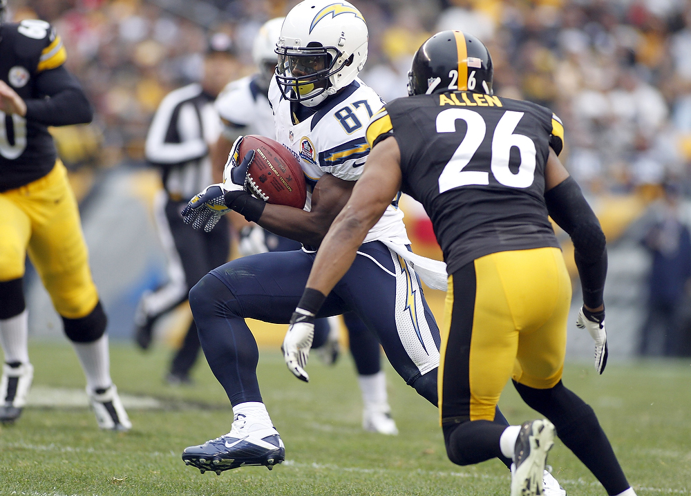 Description of . Micheal Spurlock #87 of the San Diego Chargers carries the ball on a punt return against the Pittsburgh Steelers during the game on December 9, 2012 at Heinz Field in Pittsburgh, Pennsylvania.  (Photo by Justin K. Aller/Getty Images)