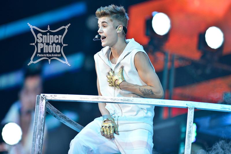 Justin Bieber at Yum Center in Louisville - Sniper Photo-21.jpg