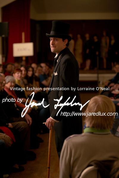 vintage_fashion_show_09_f15447944.jpg
