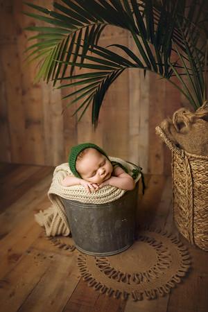 Colter R Newborn