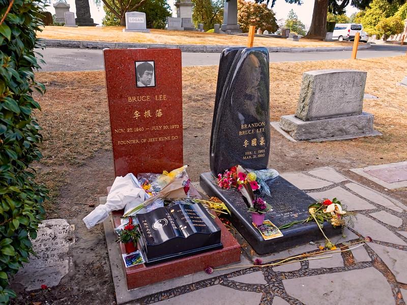 Bruce Lee & Brandon Lee Gravesite