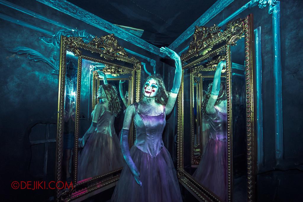 Halloween Horror Nights 6 - Bodies of Work / Ballerina mirror