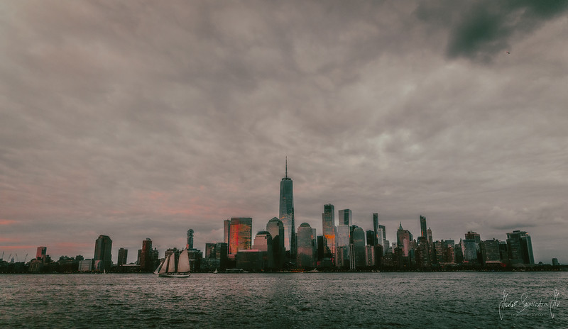 new-york-jorge-sarmiento-video-photography-nyc-sunset-sail-boatt.jpg