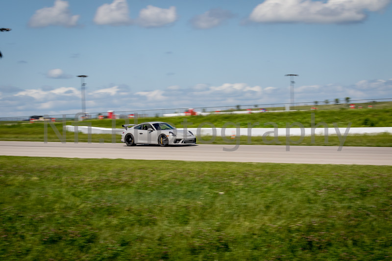 Flat Out Group 1-386.jpg