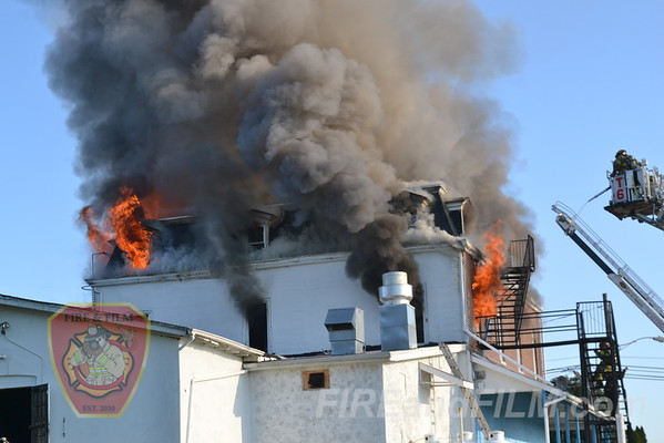 Lehigh County - Whitehall Twp. - Fatal Commercial Fire - 10/09/2011